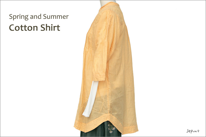 シャツ■ウッドボタンのコットンシャツ(ORANGE)ななめ