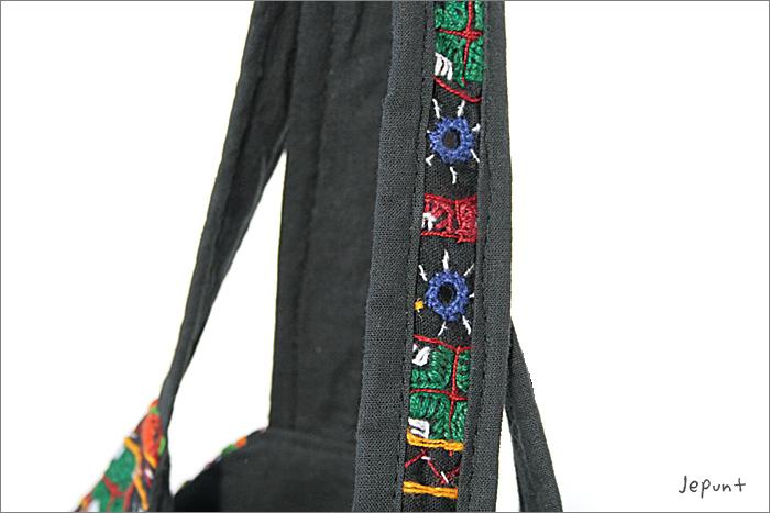 バッグ■両面ミラーワーク刺繍BAG(BLACK)持ち手までミラーワーク刺繍入り